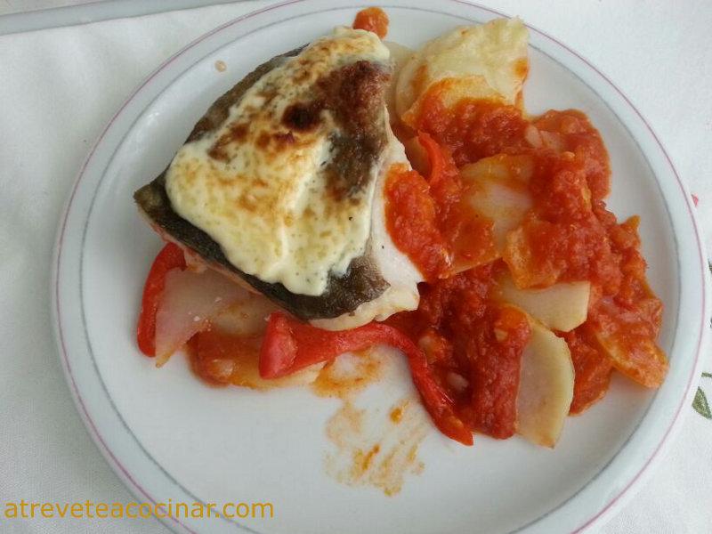 Atr vete a cocinar bacalao con tomate y patatas panaderas - Atrevete a cocinar ...